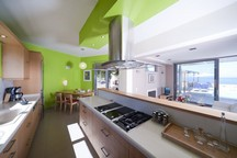 96_serenity_indoor_kitchen2.jpg